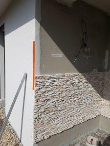 lepenie dekoračného umelého kameňa exteriér