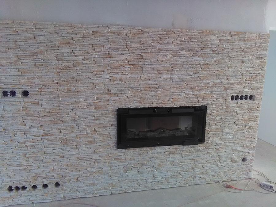 lepenie dekoračného umelého kameňa interiér 2