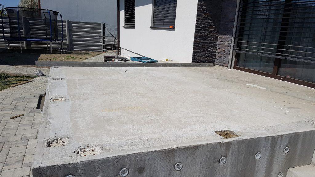 vyrovnávanie povrchu pred ukladaným dlažby (se...y)